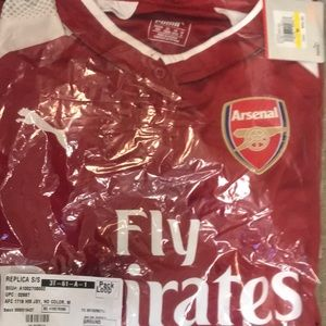 Arsenal Home Replica Jersey